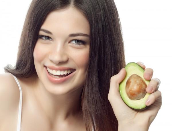 منابع غذایی برای یک جلد شفاف و جوان و با طراوت : کدام  مواد خوراکه جلد را زیبا میسازد ؟
